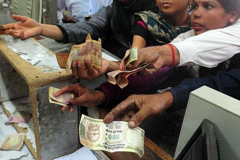 india-banknotes